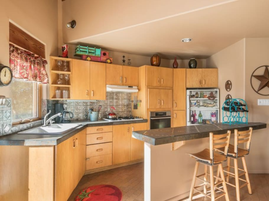 Full kitchen with all appliances and kitchenware
