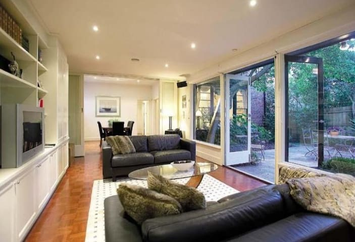 Beautiful Brighton Home for short term lease