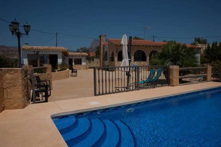 Beautiful villa with mountain- and seaviews - La Vila Joiosa - Villa