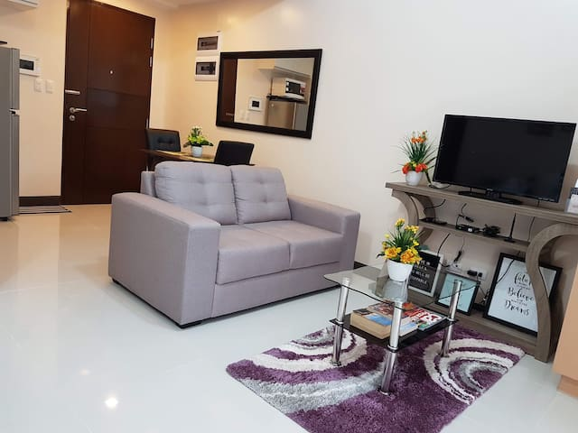 Mckinley Hill studio unit with wifi/cable & phone