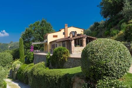 GIORNOLUNGO 8, Exclusivity Emma Villas - Montecatini Terme - Villa