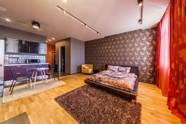 Lux View Studio
