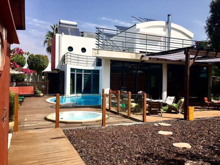 Villa Boutique III com piscina e jakuzzi