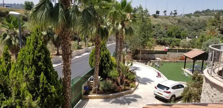 Alojamiento en barrio residencial amplio 200m²