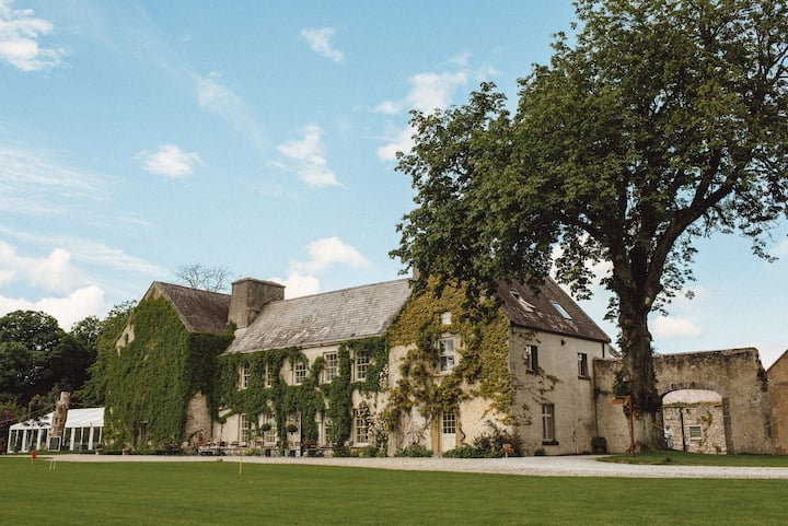 Countryside Estate Stay at Cloughjordan House