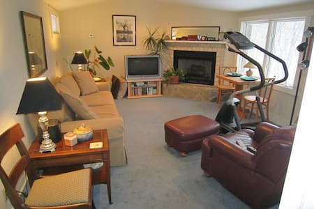 Suite Wooded Retreat 35min from Nashville - Fairview
