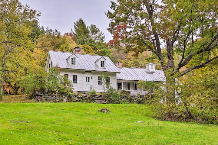 Historic Farmhouse 1 Mi. from Central Londonderry