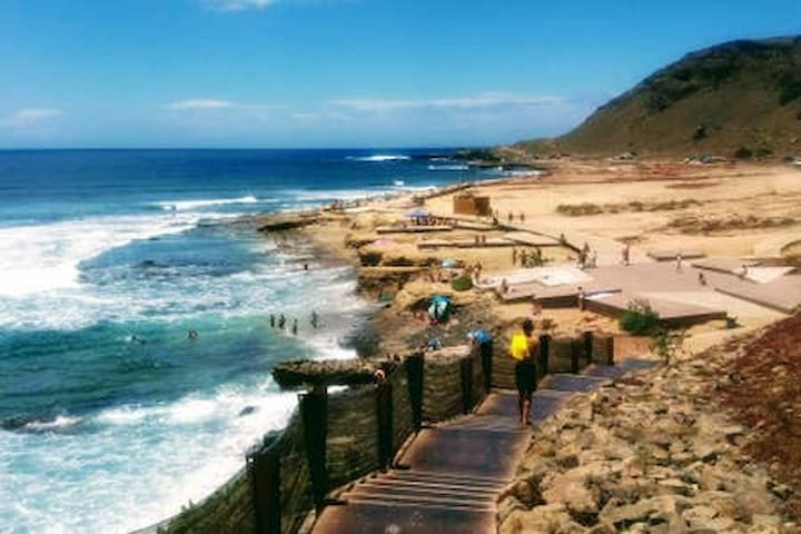 El Confital double/single rooms near two beaches