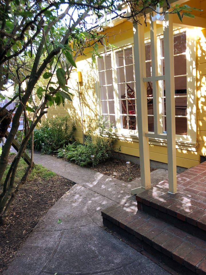 Sunlit West Berkeley Garden Studio