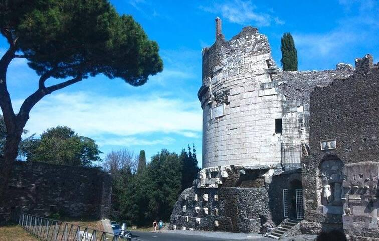 OLD APPIAN WAY STUDIO IN PRESTIGIOUS VILLA IN ROME