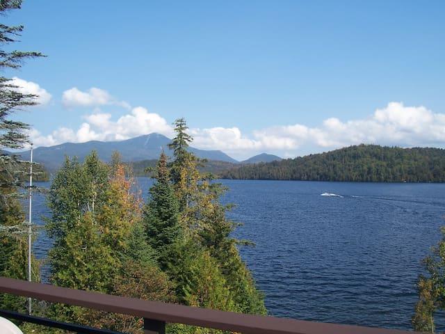 Whiteface Club & Resort: lake, stunning views!