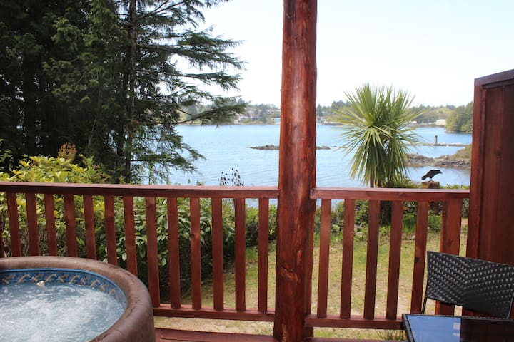 Romantic Cove B&B with private Hottub & Ocean View