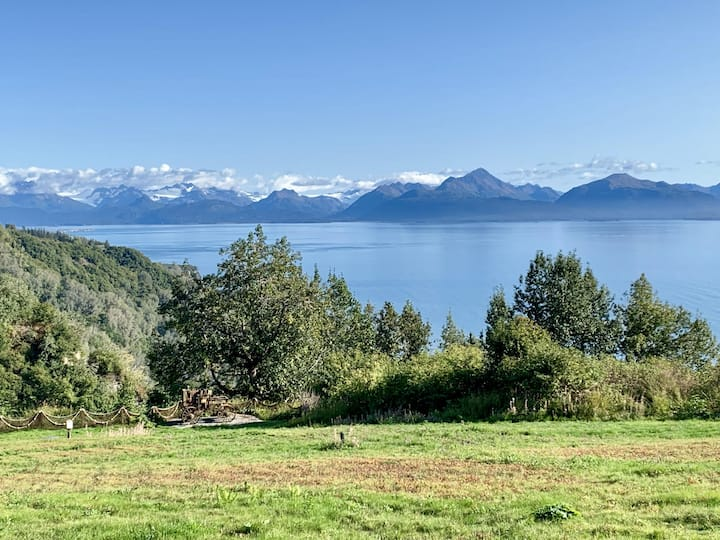 Birch (2 bedroom, 2 bath) · Amazing Home, Private Hot Tub, Incredible View!