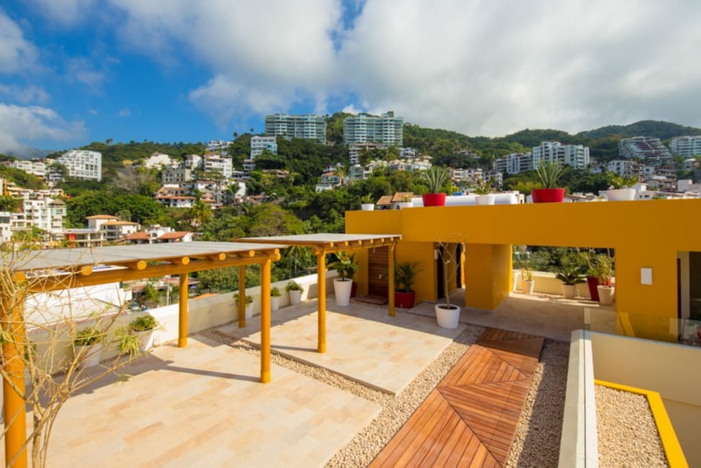 wide open terrace with the best views from town and ocean