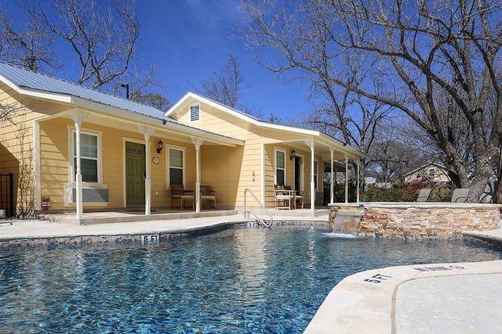 Main Street Retreat Our Thyme | King Bed | Shared Hot Tub/Pool