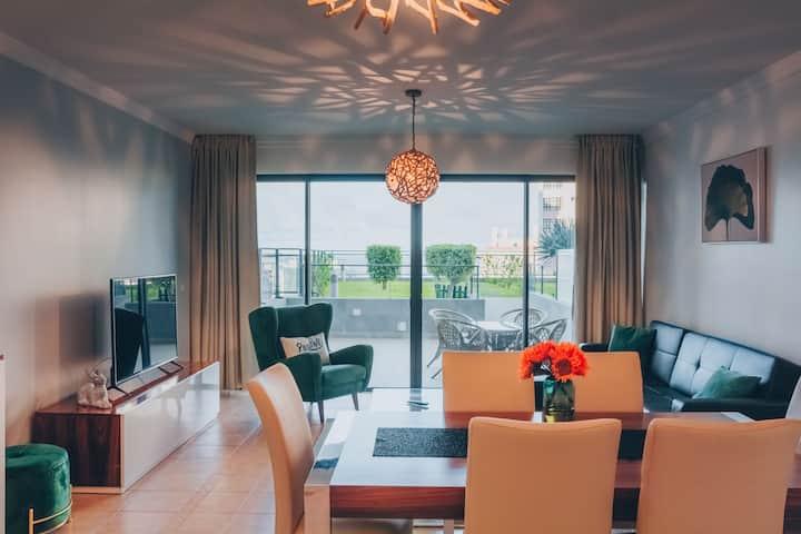 Apartamento Vista Mar com Jardim Zona Privilegiada