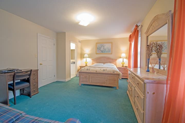 Pine suite 花园式别墅豪华套房   适合5-6人小团体旅游,人均267元/晚 无清洁费押金