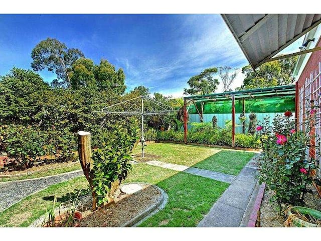 Perfect Location to City Tram/Shopping/University - Bundoora - Maison