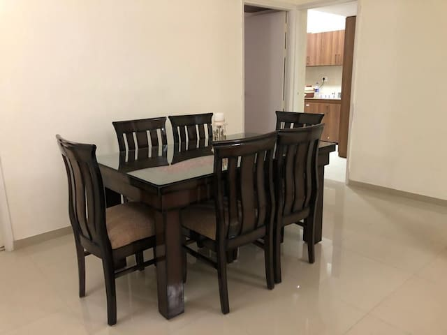6 seater brand new dining table for meals and can also be used as a workplace