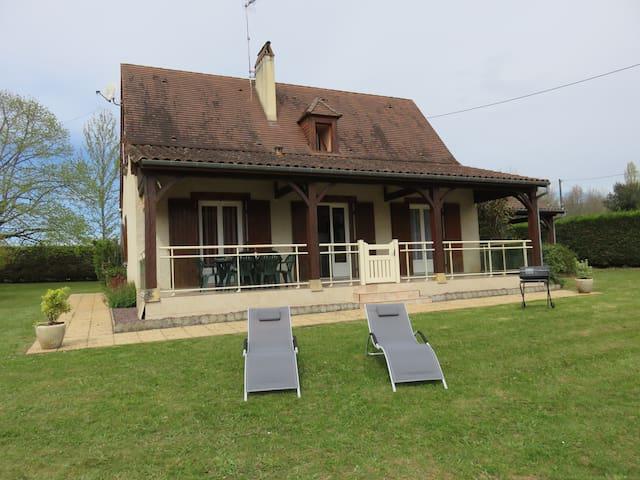 La Maison de Pierrette , Vitrac, à côté de Sarlat.