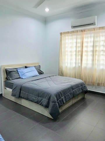5BR Homestay Subang Jaya Taipan (16 pax)