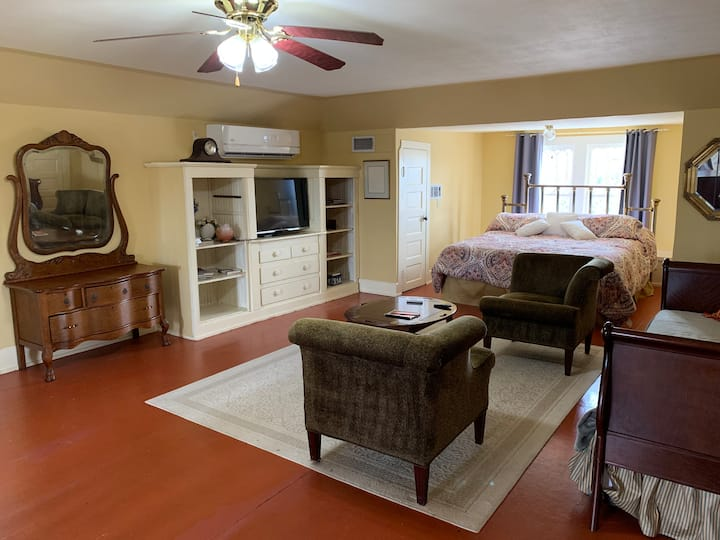 Laurel Ridge Inn, The Loft