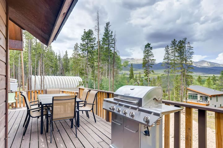 Peak 7 Local Luxury/Private/A Chef's Delight!/Game Room/Free Rec Cntr Passes/Families LOVE!