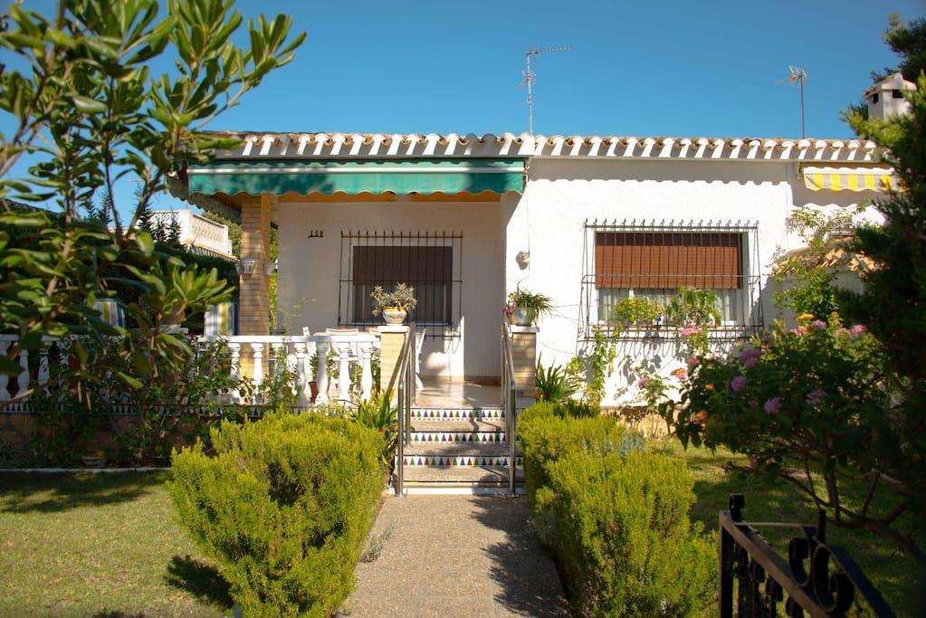 casa con terraza y jard n en dehesa de campoamor houses