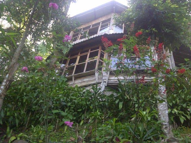 Lo Nuestro Apaneca - SV - Haus