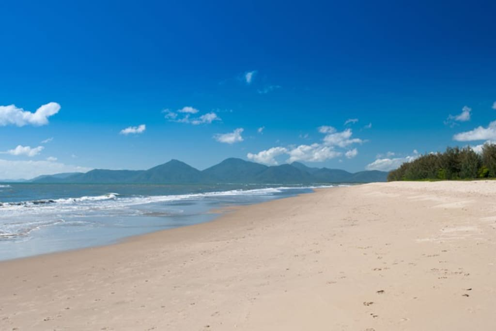 Stroll along the beautiful beach. Blues Skies for miles and gentle Coral Sea breezes.