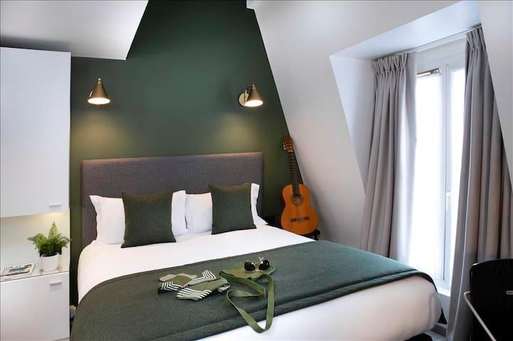 Nice Room in Paris