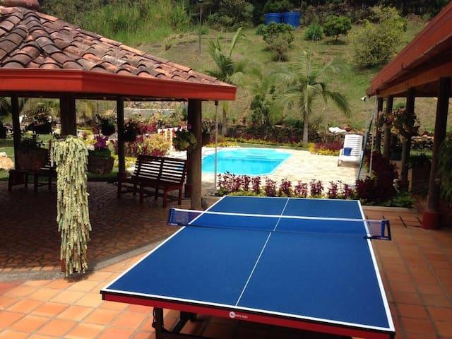 Beautyful Villa -Hermosa finca campestre GUARNE