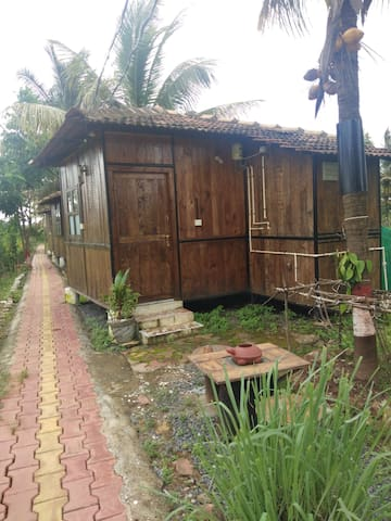 Saligao Farms Wooden Hut No 2