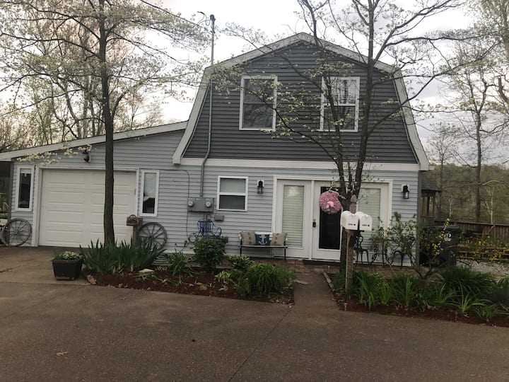Quiet home on the water downstairs duplex A