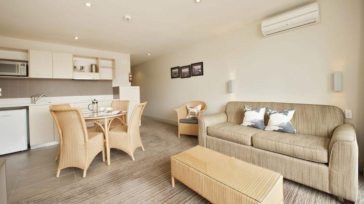Hananui Apartment 12