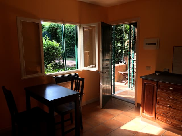 Orange-Cottage with garden-Appia Antica Park - Rome - Cabin