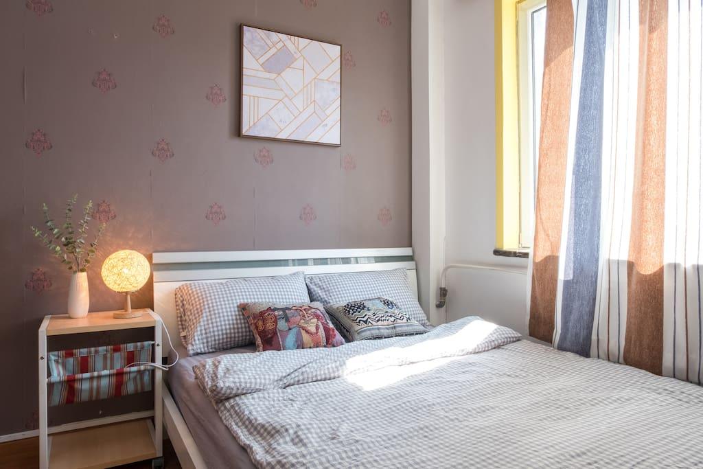您的床,全棉舒适MUJI风四件套,扫除您外出的疲惫~ your bed, equipped with muji style bedding