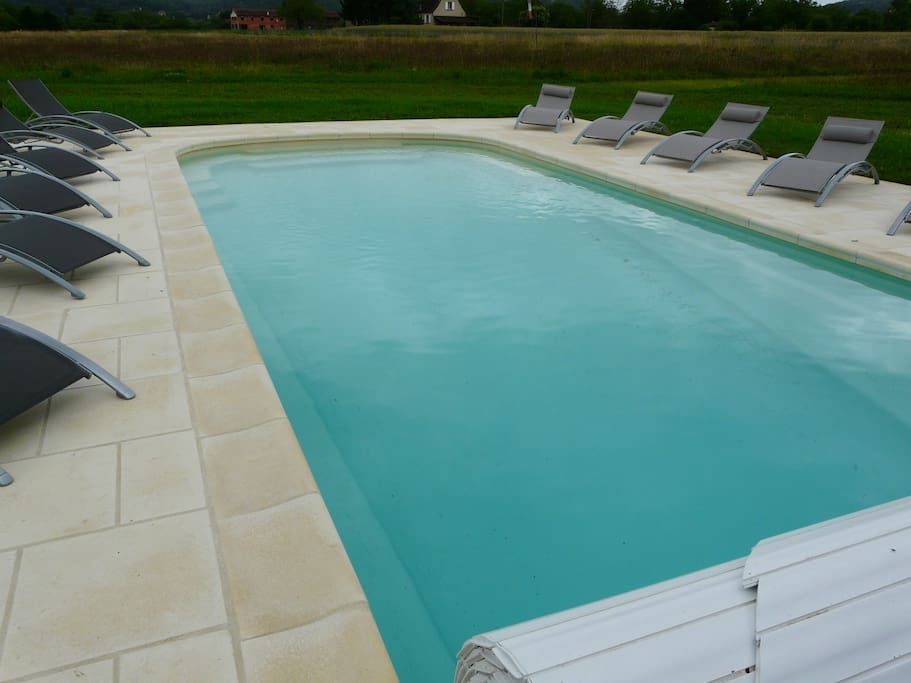 The heated swimming pool size 10/5m