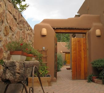 Charming Adobe Casita near Plaza - Mesilla