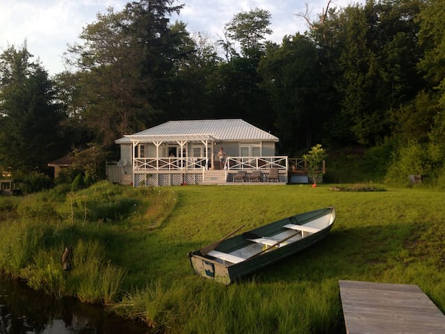 Catskills Modern Amber Lake Cottage - Livingston Manor - House