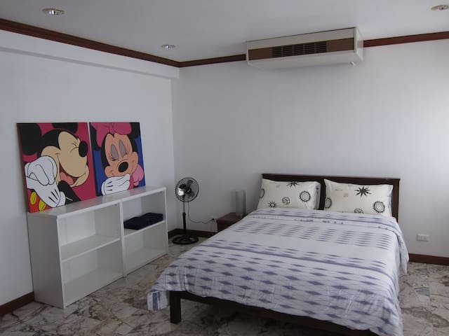 1 Room in Beachfront House Jomtien - Bang Lamung - House