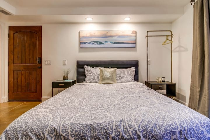 Premium queen size bed and linens.