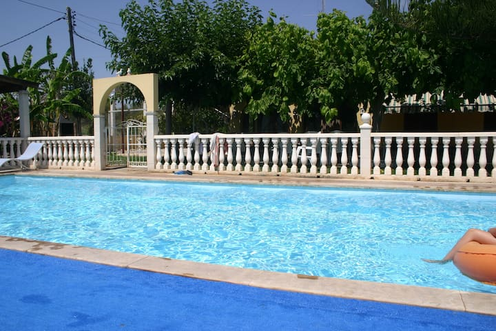 Comfortable house, private garden and pool 50m sea - Alcanar - Casa