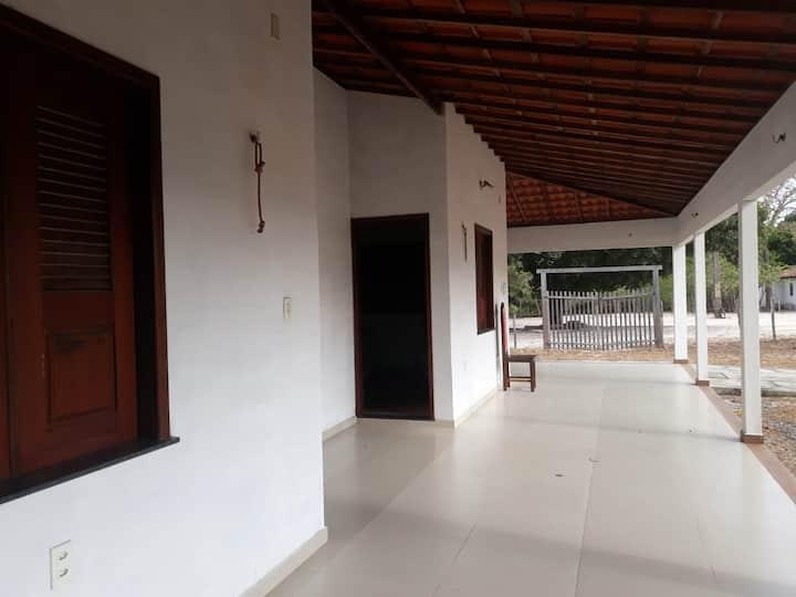 Casa Ampla com dois Chalés em Paulino Neves