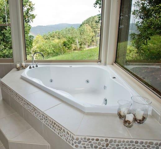 Perfect Romantic Getaway! Bungalow 6