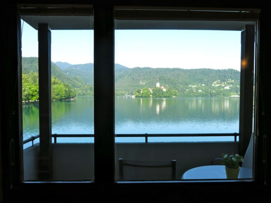 Panorama apartment - Impressive views of Lake Bled from the living room