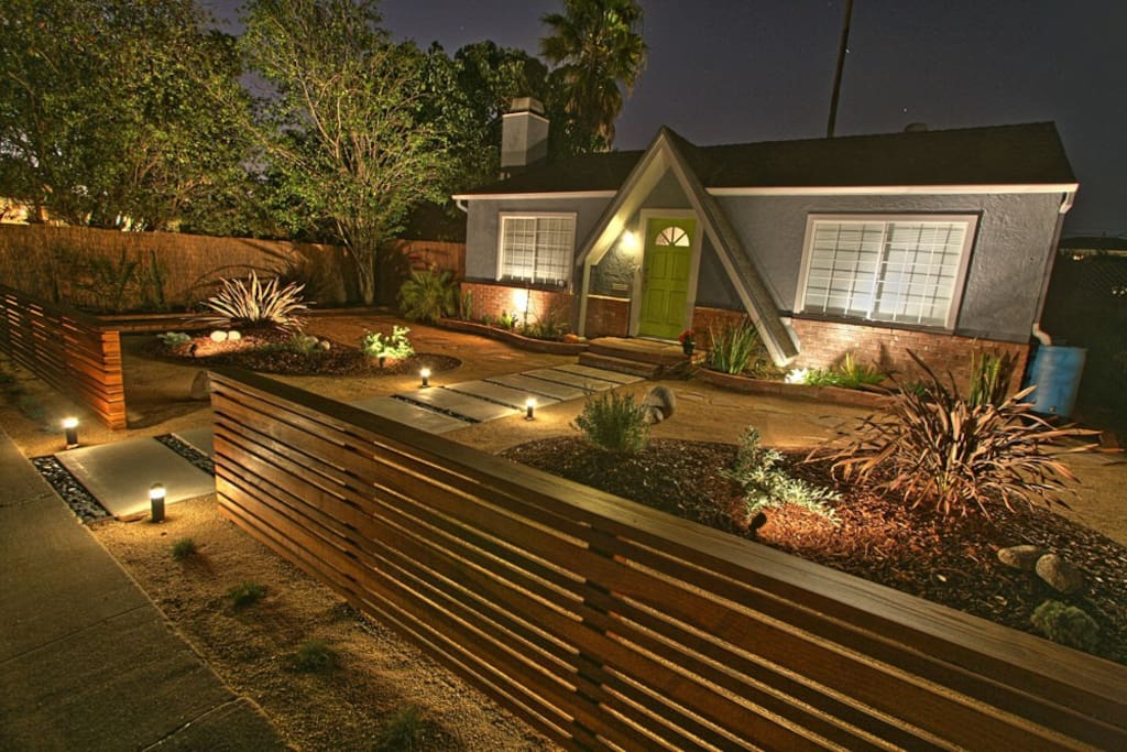 Ed Amp Rachel S Oasis Houses For Rent In Culver City
