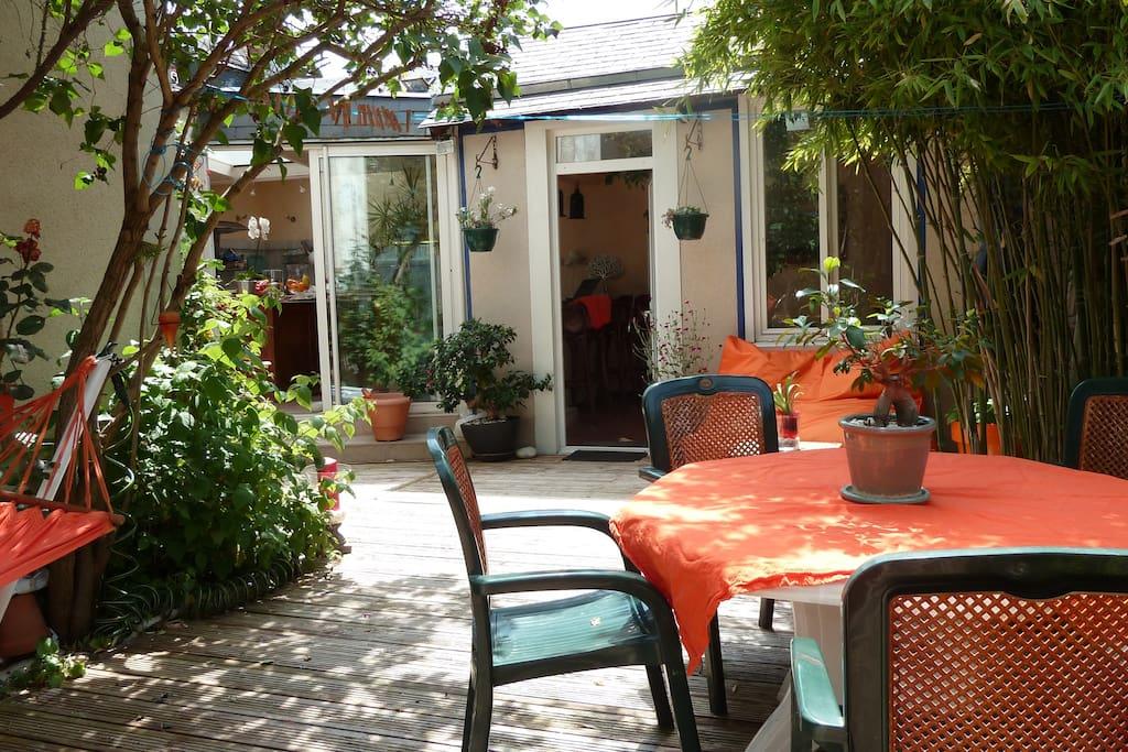 maison centre ville avec jardin 3ch maisons louer tours centre france. Black Bedroom Furniture Sets. Home Design Ideas