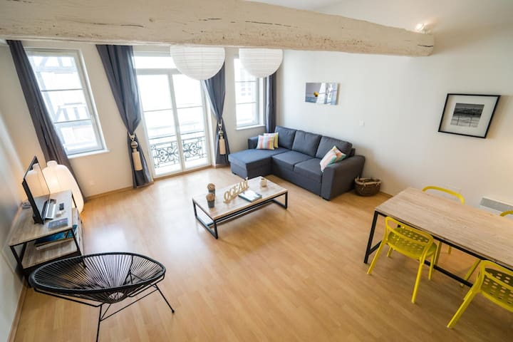 NEAR OLD PORT / IDEAL FOR COUPLE