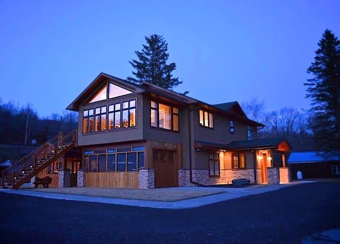 Gardner Lodge